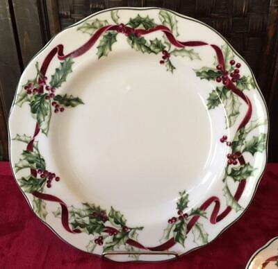 """Charter Club Winter Garland 11 2/8"""" Dinner Plate Exc-mint Free Priority Or Fedex"""