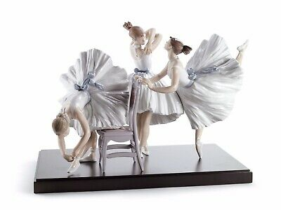 lladro girls figurines limited edition 8476 backstage ballet 01008476 new in box