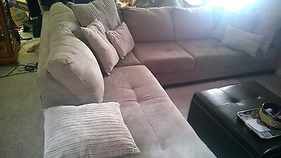 """Sectionsl Sofa L Shape With Chaise And Throw Pillows  121"""" X 87"""""""