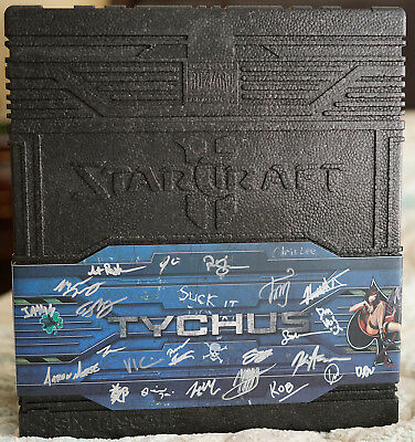 Signed Starcraft Ii 2 Tychus Findlay Sixth Scale Figure By Sideshow Collectibles