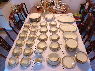 82psc.auth. Baronet Lucille Made In Bohemia Chechoslovakia Porcelain China Set