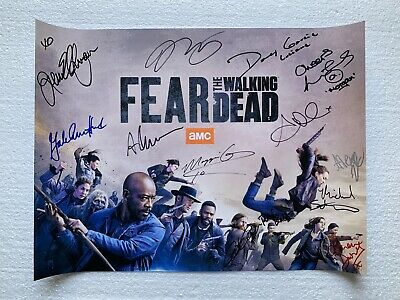 Sdcc 2019 Fear The Walking Dead Signed Poster With Wristband