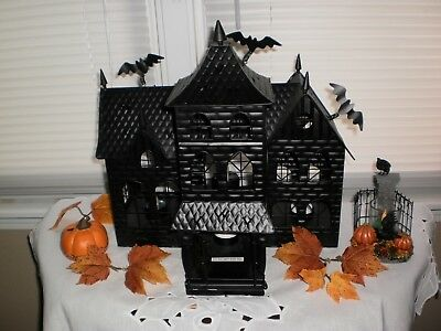 The Original 2008 Yankee Candle Boney Bunch Haunted House W/box-collectible!