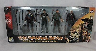 Sdcc 2018 Skybound Walking Dead Rick Grimes 15th Bloody Action Figure Set
