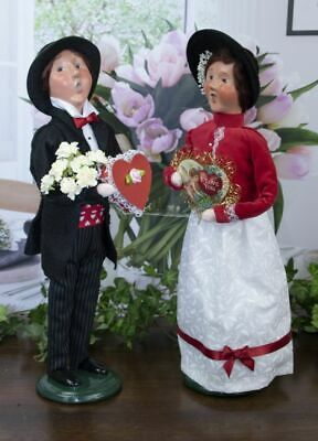 2020 Byers Choice Valentine Couple Man & Woman Hearts Love Red Chocolate Flowers
