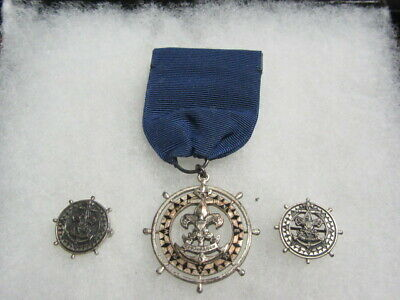 Sea Scout Quartermaster Medal With 2 Lapel Pins, Dated On Back 7/18/32   Th7