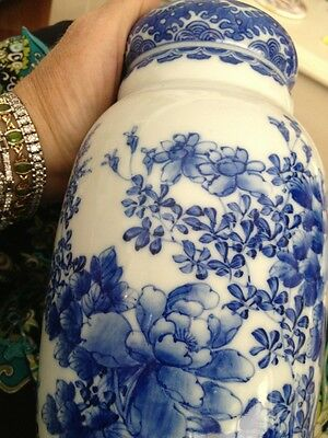Kangxi Period Vase Blue White Chiniese Floral Flower Pot Exquiste