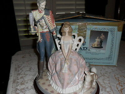 "Rare Retired Lg.lladro Figurine ""flower For My Lady"" No.1513g W/wood Base *mint*"