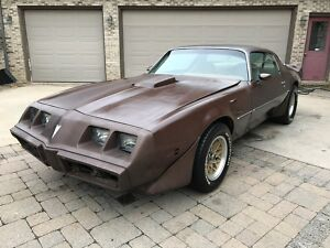 1979 Pontiac Trans Am  RUSTFREE 1979 TRANS AM PROJECT CAR. RUNS AND DRIVES300