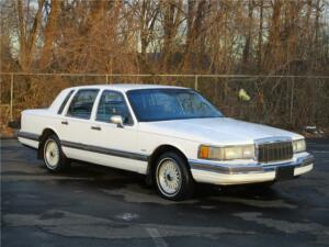 1990 Lincoln Town Car 111K MILES! 2ND OWNER! NO RESERVE LEATHER! CLEAN! RUNS DRIVES GREAT!300