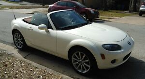 2006 Mazda MX-5 Miata Grand Touring 2006 Mazda MX-5 Miata Grand Touring, only 63k Miles!!300