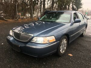 2005 Lincoln Town Car SIGNATURE LIMITED 2005 LINCOLN TOWN CAR SIGNATURE LIMITED 100% Positive Feedback Low Miles300