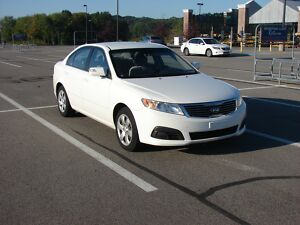 2009 Kia Optima  White 2009 Kia Optima LX300