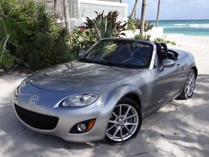 2009 Mazda MX-5 Miata  GORGEOUS!! EXCELLENT COLOR COMBINATION***HARD TOP** HEATED SEATS*FLORIDA CAR300