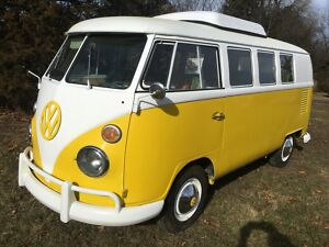 1967 Volkswagen Bus/Vanagon  1967 Volkswagen Westfalia Poptop Split Window Camper Bus300