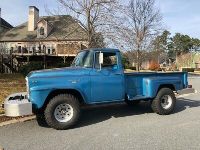 1960 International Harvester B120  1960 International Harvester B-120 Pickup400