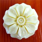 2holes Exquisite White Mixed Shaped Carved Flower  Giant clam Pendnat Bead W-ZS3