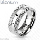 AWESOME MENS SOLID TITANIUM WITH SILVER PYRAMID SPIKED EDGE WEDDING BAND RING