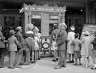 1941 AFRICAN AMERICAN MOVIE THEATER CHICAGO PHOTO RUSSELL LEE