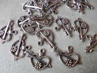 20 X HEART WITH ARROW, TIBETAN METAL CHARMS/PENDANTS - ANTIQUE SILVER FINISH