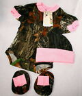 Mossy Oak Camo Pink 3 Pc Baby Gift Set, Camouflage Diaper Shirt Hat Booties