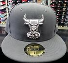 New Era 59Fifty  5950 NBA League Basic Chicago Bulls Graphite/ White Fitted Cap
