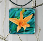 FLOWER  YELLOW DAY LILY SQUARE PENDANTS NECKLACE MEDIUM OR LARGE -sed4Z