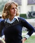 HALLOWEEN (1978) 8X10 Photo 26 JAMIE LEE CURTIS as Laurie Strode