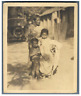 India, Photo of a mother and her children  Vintage silver print. Tirage argent
