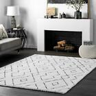 nuLOOM Hand Tufted Beaulah Shaggy Area Rug in White